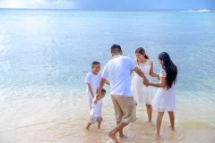 beach-family-2432568__480