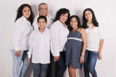hispanicfamily-photo-827763__480